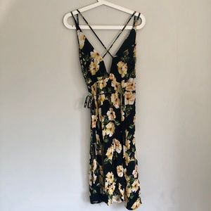 Topshop Dresses - Top shop black floral rap dress.